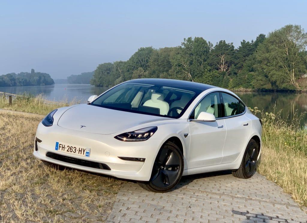 Tesla Model 3 - Blanc intérieur blanc aerowheels